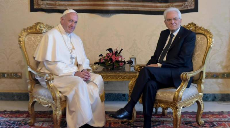 """Coronavirus, Mattarella sente governo e i leader opposizione: """"Unità e collaborazione"""". Al Papa: """"Solidarietà tra Stati e popoli"""""""