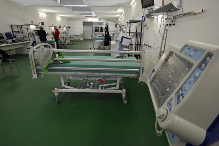 A Bergamo infermiera città sisma