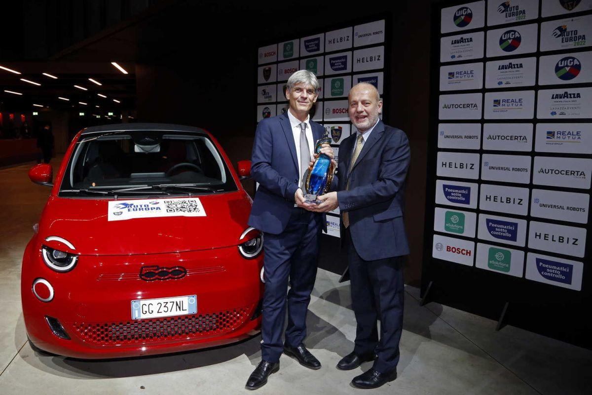 """La Fiat 500 Elettrica è """"l'Auto Europa 2022"""" dell'Uiga Agenzia di stampa Italpress – Italpress"""