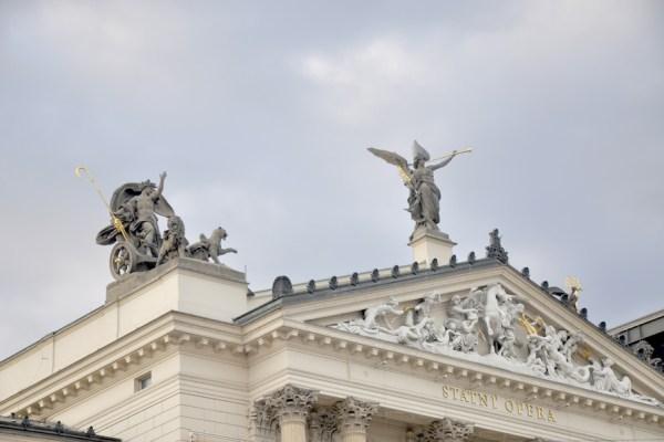 Sculptures-Prague-Tres-Bohemes-3
