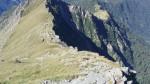 Il sentiero dalla Porta dei merli alla cresta per la cima.