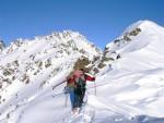 Gianluca oltre la sella 2943 m verso la Cima Riacci 3009 m.