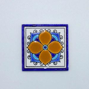 Carreau Aimant / Magnet Carré Motif Traditionnel en céramique CD68 il sert également de sous verre.