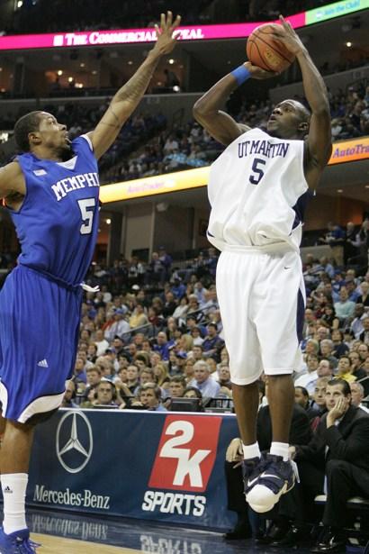 Trevor_Ruszkowski_Photos_basketball_2012_0002.jpg?fit=660%2C990