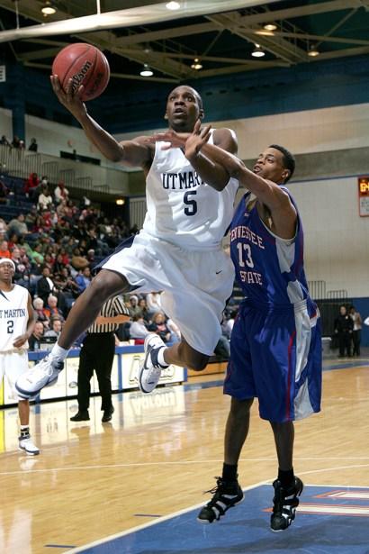 Trevor_Ruszkowski_Photos_basketball_2012_0008.jpg?fit=660%2C990