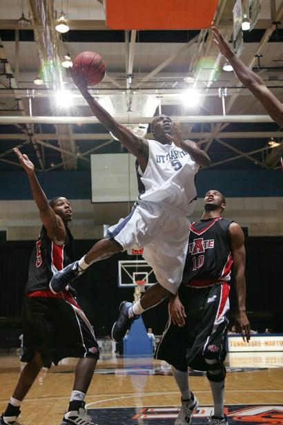 Trevor_Ruszkowski_Photos_basketball_2012_0026.jpg?fit=660%2C990