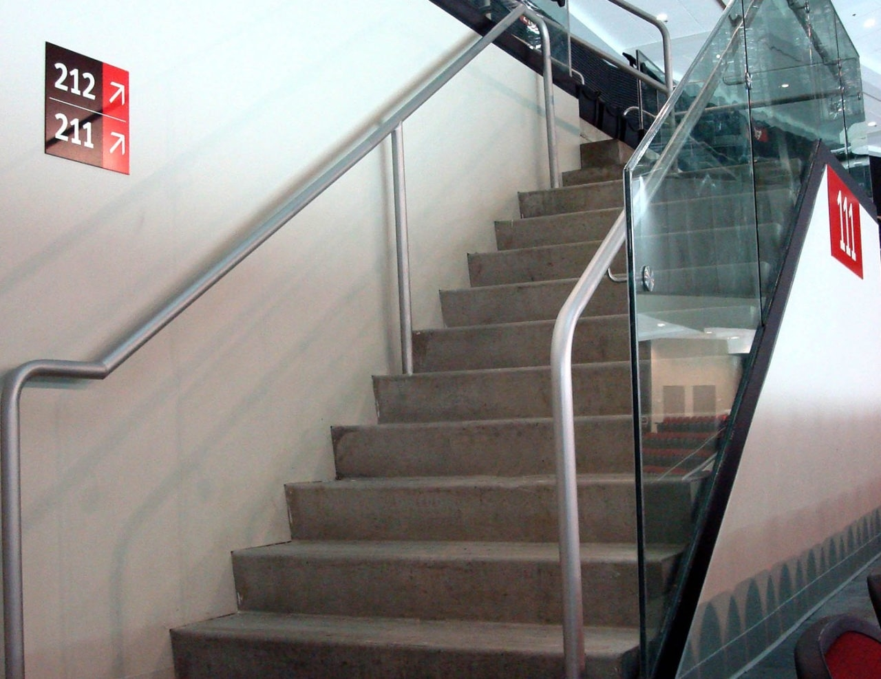 Griprail Commercial Metal Handrails Trex Commercial Products | Aluminum Railings For Steps | Verandah | Glass Railing | Pipe | Indoor | Glass Panel Wooden Handrail