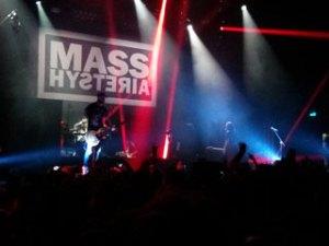 Mass-Hysteria-Olympia-01