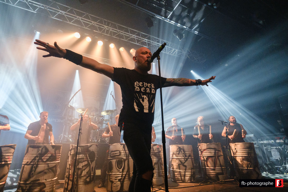 LES TAMBOURS DU BRONX dévoilent le live de leur incontournable medley de Sepultura