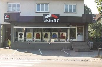 Als Battistis Garage in Dornbirn zu klein wurde, siedelte man zur Jahrtausendwende in dieses Geschäftslokal in Mäder