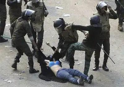 pag.15.mujer-apaleada-en-egipto