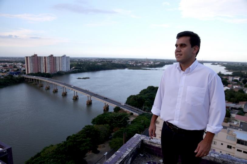 Cofre aberto: Rafael Diniz gasta mais R$ 350 mil com propaganda