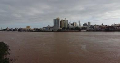 Nível do Rio Paraíba do Sul sobe dois metros
