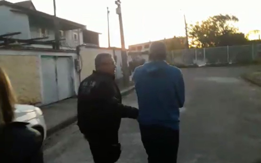 Polícia prende professor de escolinha de futebol no Rio por abuso sexual