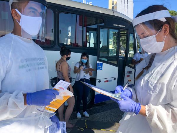 Ônibus da testagem itinerante estará na UPH Farol de São Thomé nesta segunda