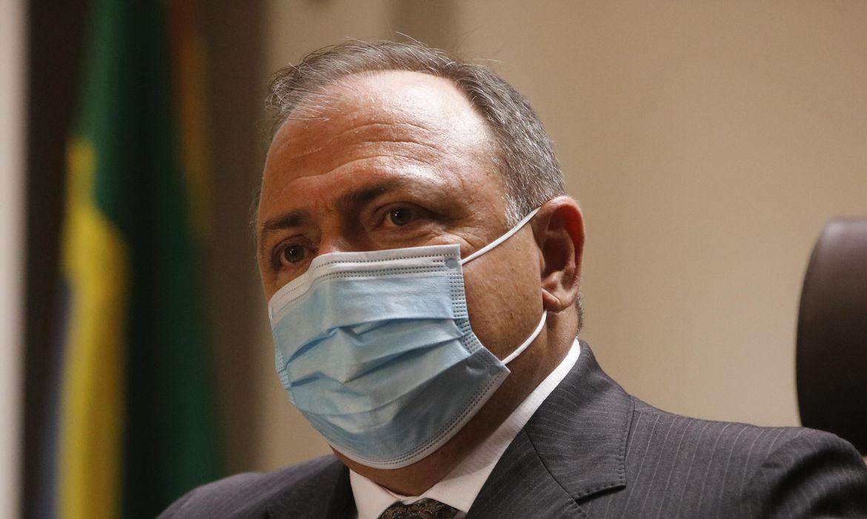 Vacinação contra covid-19 começa ainda hoje nos estados, diz Pazuello