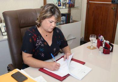 Prefeitura de SFI concede auxílio tecnológico de R$ 2 mil para profissionais da Educação