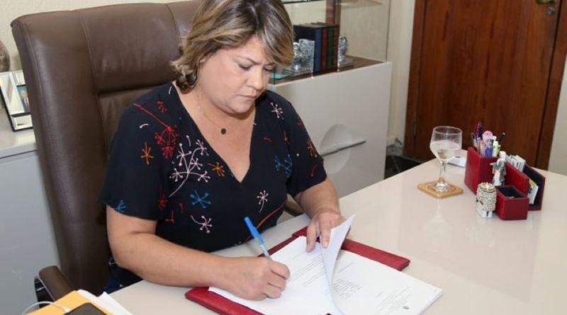 Por unanimidade, Câmara de SFI aprova contas de 2018 da prefeita Francimara
