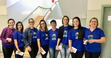 Equipe de saúde da APAE de Taquaritinga (SP) faz visitas em escolas públicas da cidade