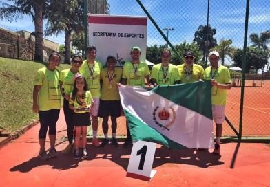 """Tenistas de Taquaritinga (SP) conquistam medalha de ouro nos """"Jogos Abertos"""" em Marília (SP)"""