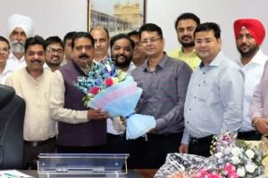 PUCA Delegation greets VC IKG-PTU