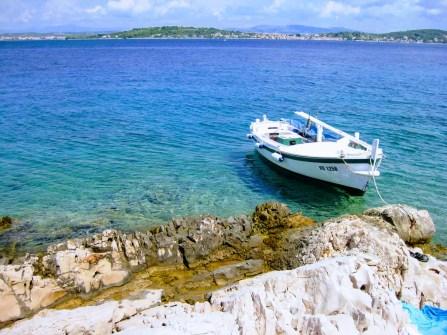 otoki-čolni-morje (2)