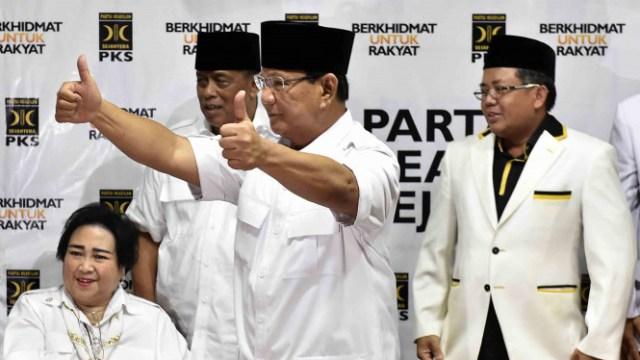 Prabowo Subianto bersama ketum PKS Sohibul Iman