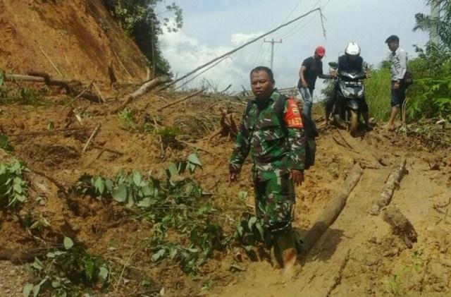 Longsor di Bukit Mentawai, akses jalan keempat desa di Kecamatan Rokan IV Koto