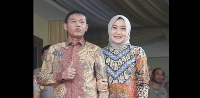 Kapolri Idham Azis dan Istri Fitri Handari