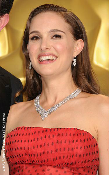 Natalie Portman And Johnny Depps Sign Language Error Celebrity Gossip And Movie News