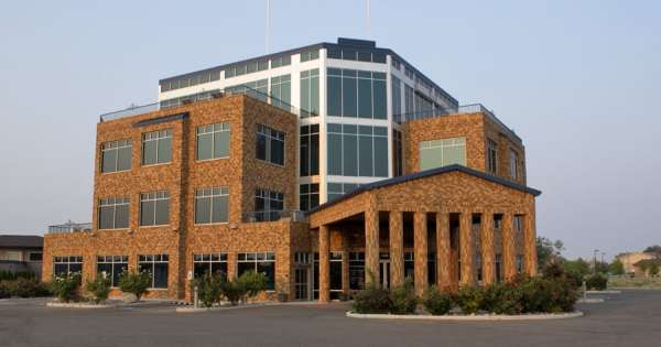 Commercial real estate brokers expect continued growth
