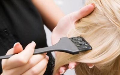 Le tinture per capelli fanno male?