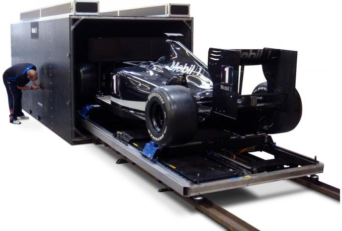 Heavy duty shipping container for F1 car