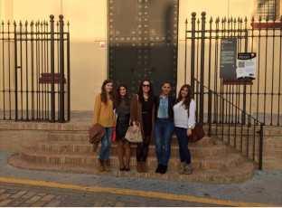 Ana con sus amigas en Trigueros