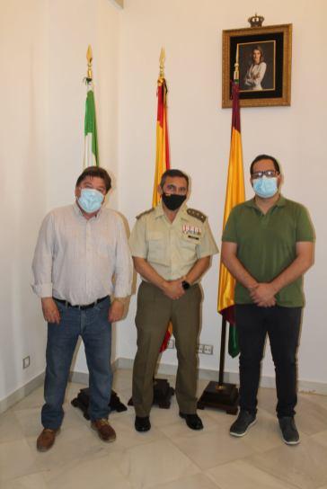 Cristóbal Romero mantiene su primer encuentro con el subdelegado de defensa en Huelva, Amós Paramio4
