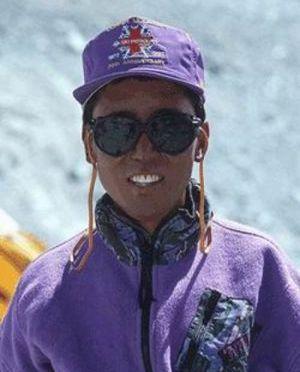 Recordista, sherpa chega pela 18ª vez ao cume do Everest