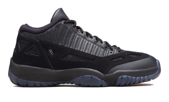 """In-Hand Review Jordan 11 Low IE """"Referee"""" (Early Release) 1"""