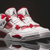 "In-Hand Review: Jordan 4 ""Alternate 89"" (Video)"