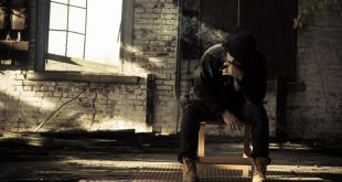 Hatty Maines - S.O.S. (Video)