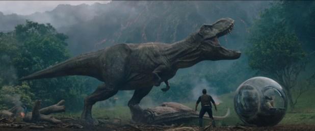 Jurassic World: Fallen Kingdom (Official Trailer)