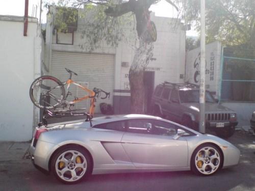 Lamborghini + Pinarello avec Bora Ultra II = Agent immobilier