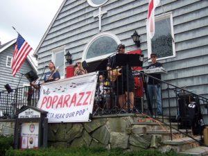 Poparazzi providing great music ...