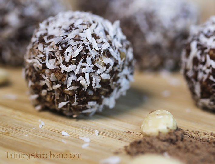 Easy Chocolate Truffles (no-bake, vegan, delicious) – Trinity's ...