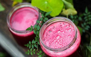 Juice with beets celery, pear and ginger by Trinity