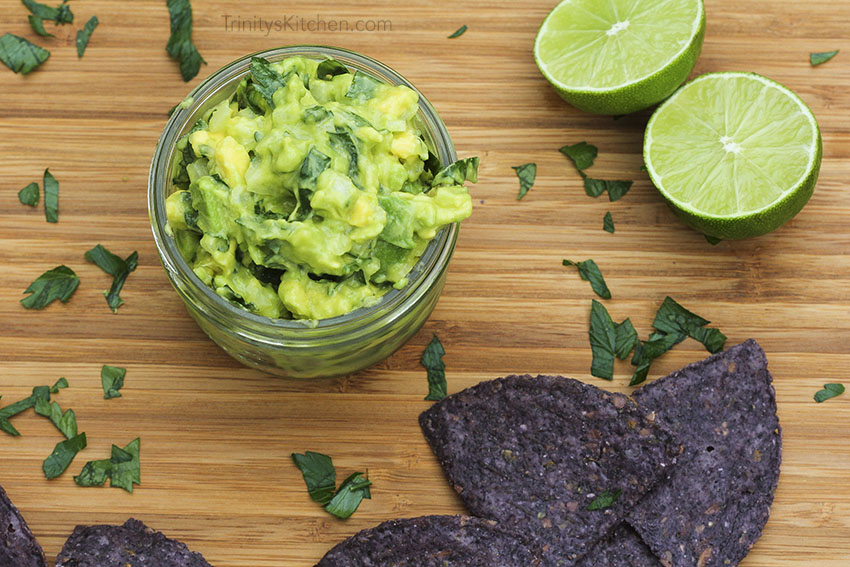 Parsley & Lime Guacamole - deliciously healthy vegan recipe