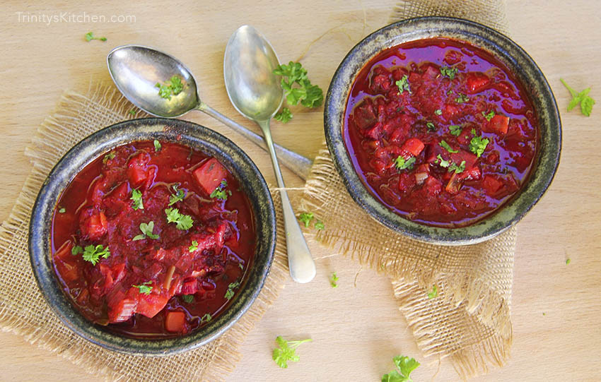Leek & Beetroot English Winter Soup - vegan, gluten-free and super healthy by Trinity