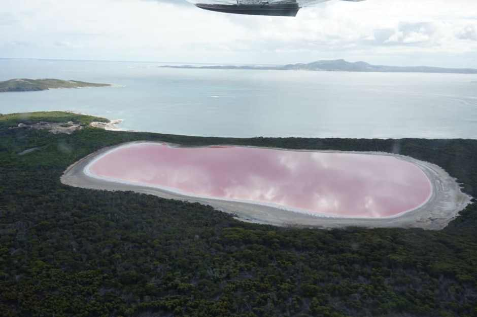 lake-hillier-from-plane-2