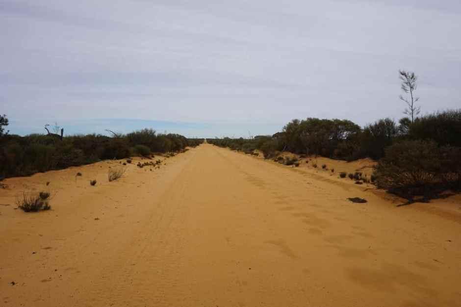 victoria-rock-road