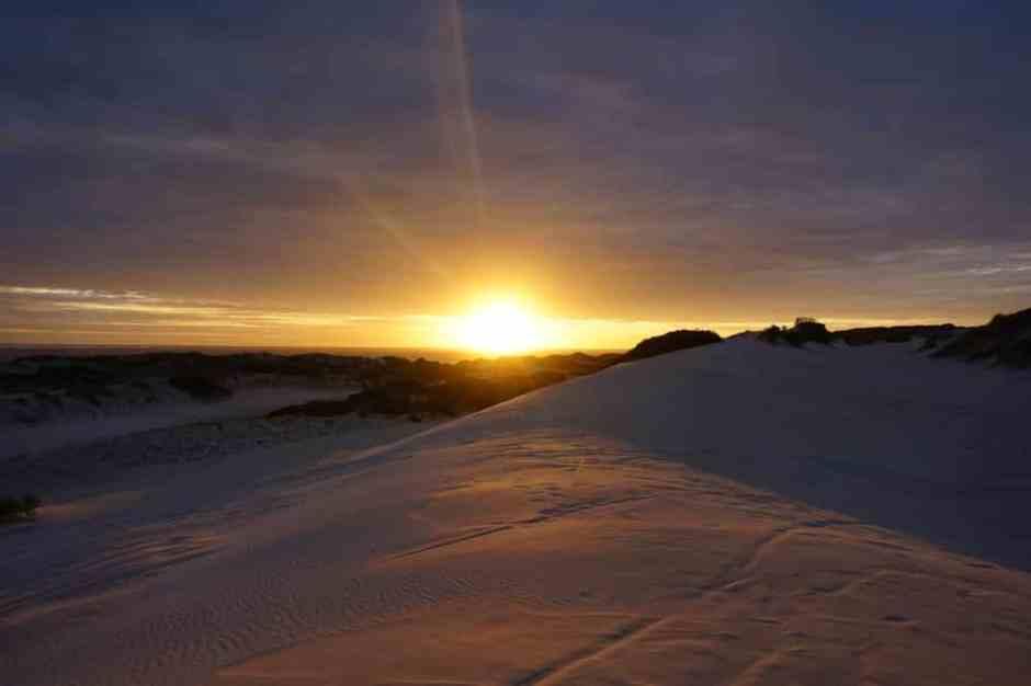 lancelin-sand-dunes-sunset