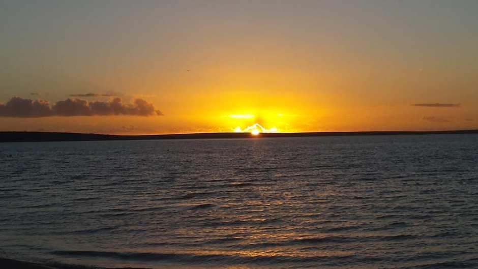 Coucher de soleil sur la plage de Monkey Mia